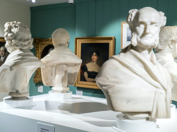 Busts on gallery